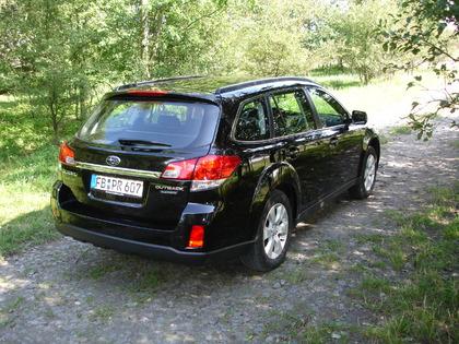 Subaru Outback 2 5i CVTGas 2