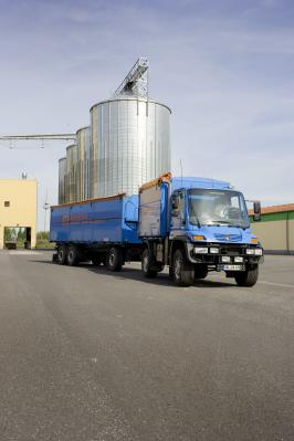 Agritechnica 2011 Unimog U 400 - U 500