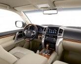 Toyota_Land_Cruiser_V8_2012_20850_lores