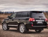 Toyota_Land_Cruiser_V8_2012_20856_lores