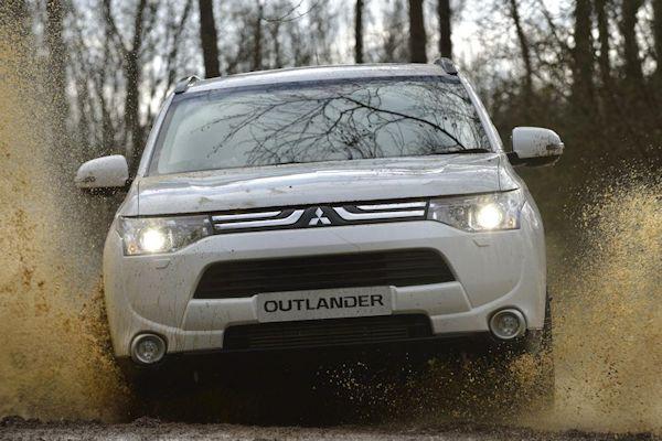 Mitsubishi Outlander 2013_AA