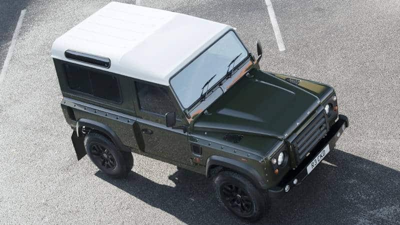 Für das Land Rover Defender Tuning wurde der Motor einer Corvette verwendet