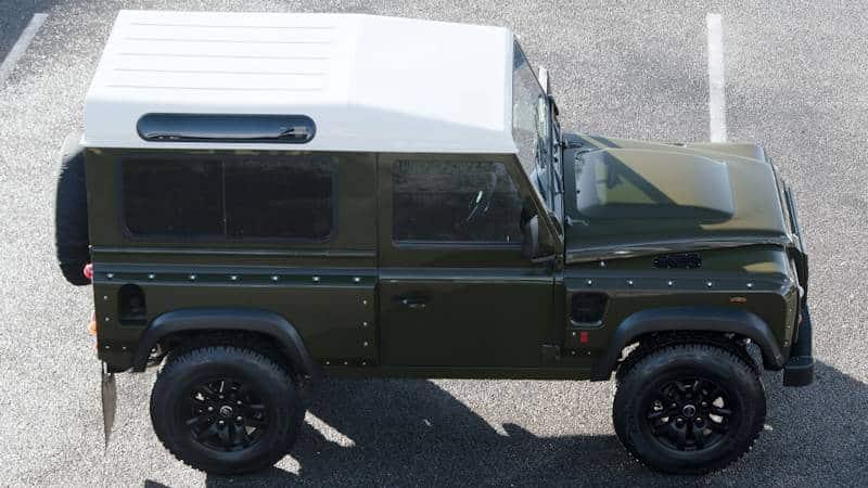Land Rover Defender Tuning mit sportlichem Stil von Urban Truck