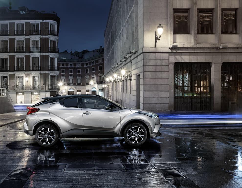 Toyota C-HR Hybrid SUV