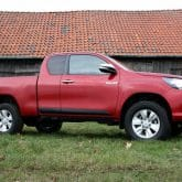 Toyota Hilux Extra Cab Pickup