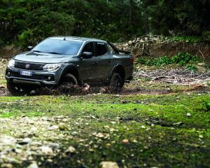 FIAT Fullback Cross Pickup