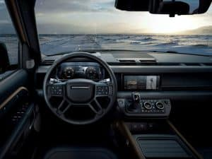 Land Rover Defender 110 002