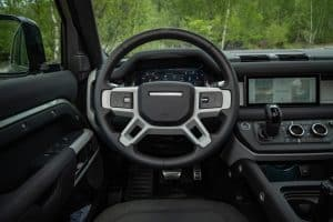 Land Rover Defender 110 Probefahrt Innenraum