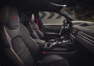 Porsche Cayenne GTS Coupé Innenraum